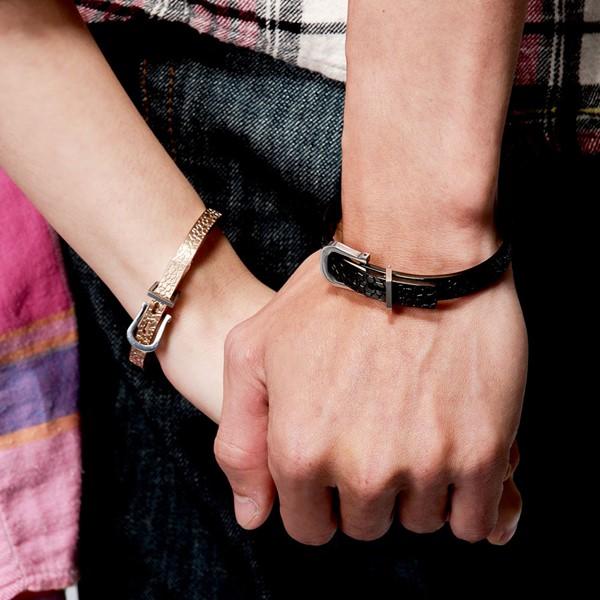 皮帶造型扣住真愛手環