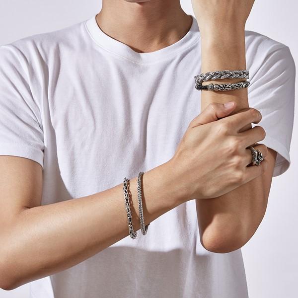 縷空雕紋真皮手環