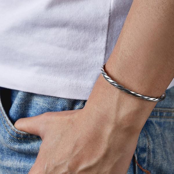 粗線扭轉造型活圍手環