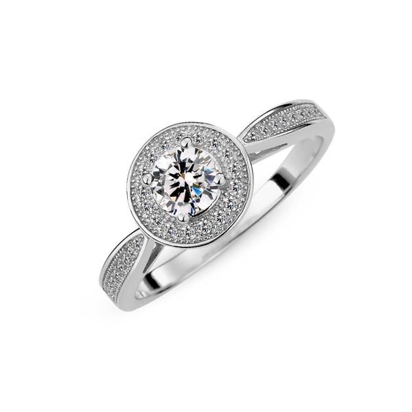 璀璨滿鑽戒指