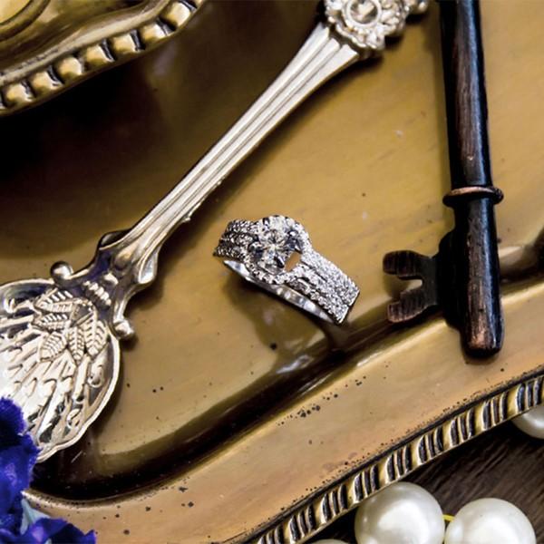閃耀圓鑽奢華精選戒指