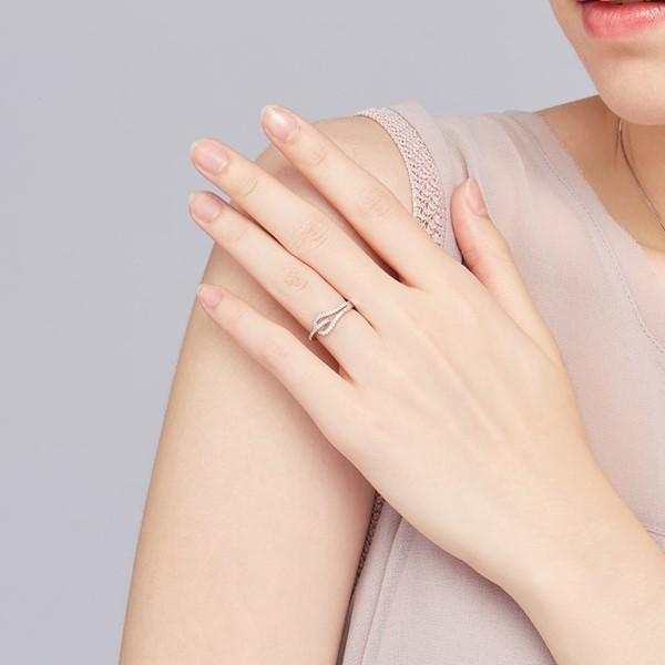 穿越之心造型戒指