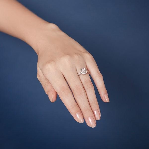 氣勢橢圓鑽台奢華珠寶戒指