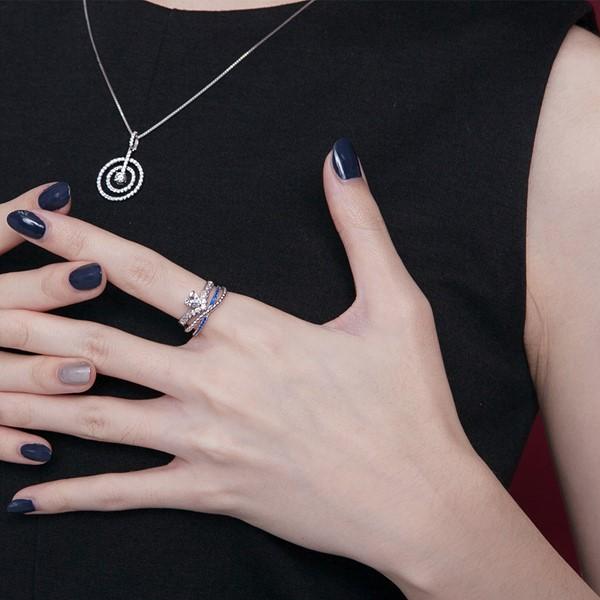 交錯設計彩鑽戒指