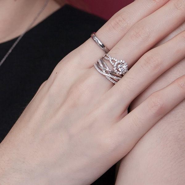 浪漫交會奢華戒指