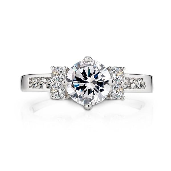 施華洛世奇經典奢華精選戒指(含禮盒包裝與親送服務)