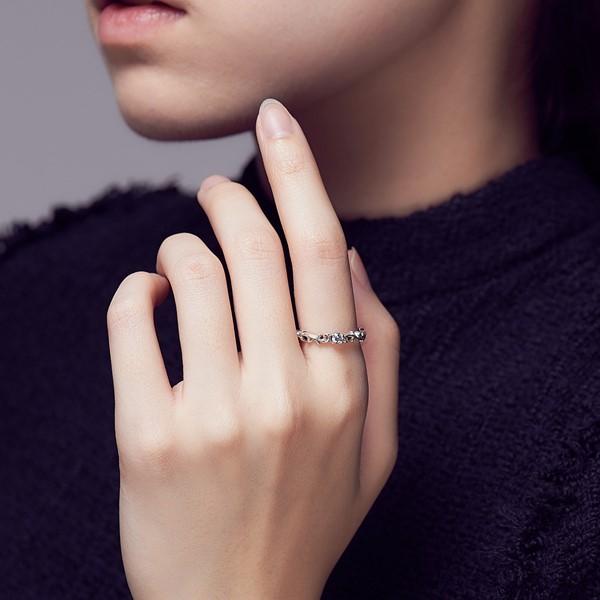單鑽唐草硫化戒指