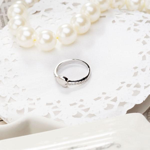 尋找愛蜜莉心型葉戒指