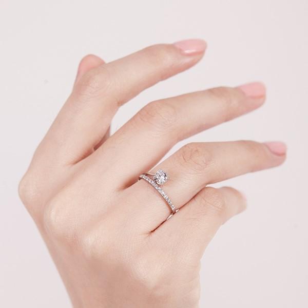 辛德瑞拉氣質排鑽戒指