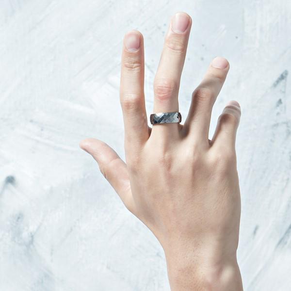 閃耀堅硬龜面切工戒指