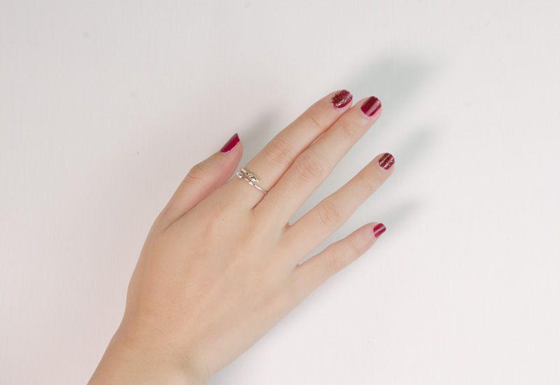 聖誕紅色指甲油
